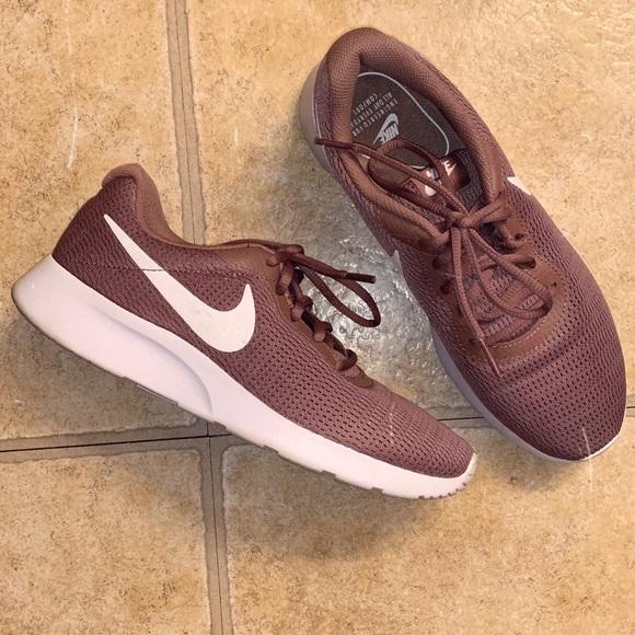 Nike Shoes   Smokey Mauve Nike Tanjun